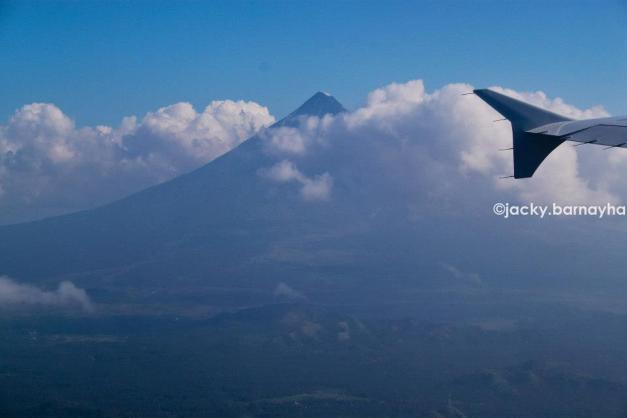 first glimpse of Mayon -- she showed her peak!